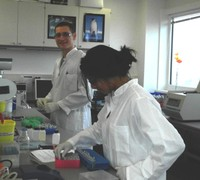 Agrigenomics students in lab